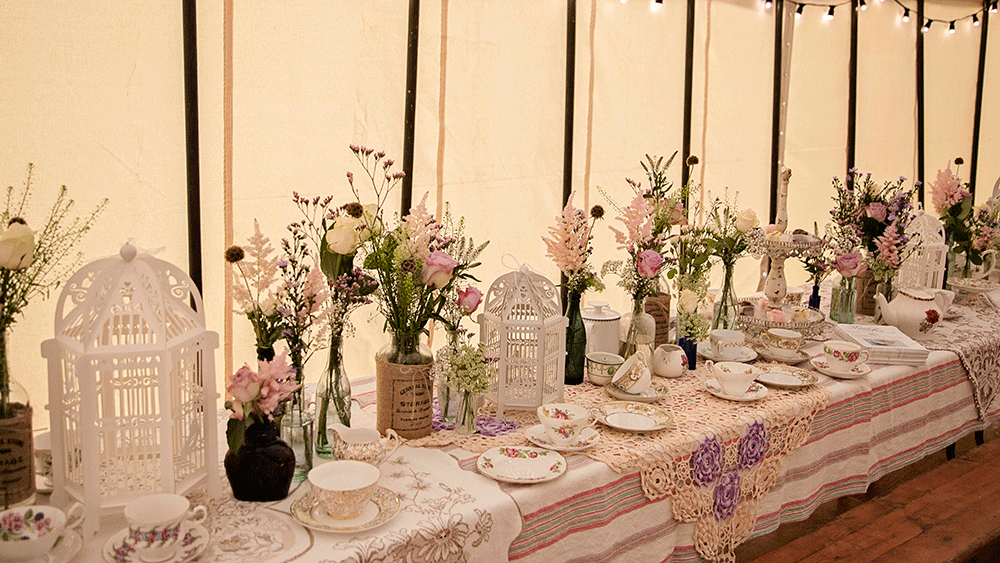 Delicate Birdcage Lanterns Add To A 1940s Style Afternoon
