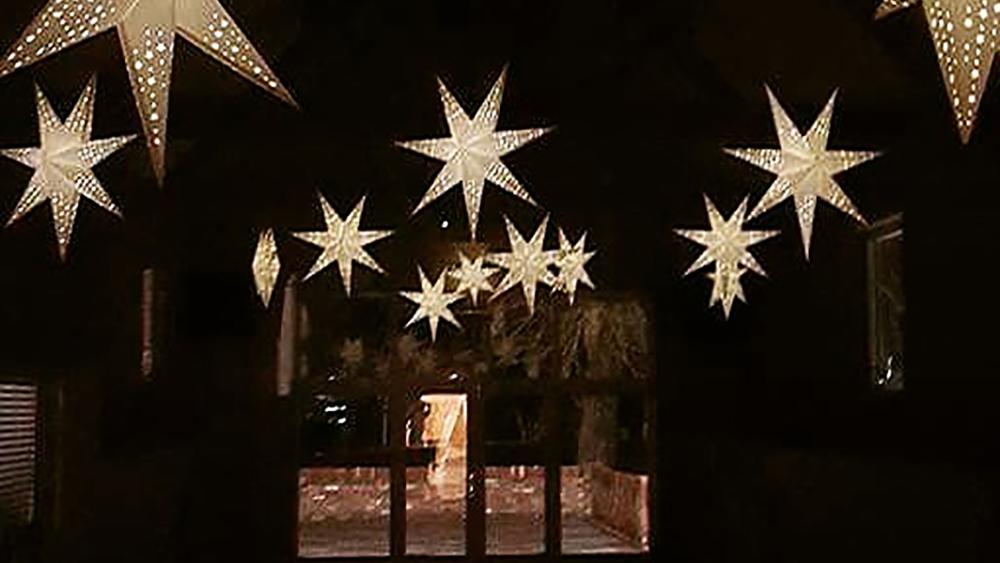 Star Lanterns Offer Alternative Barn Wedding Decoration