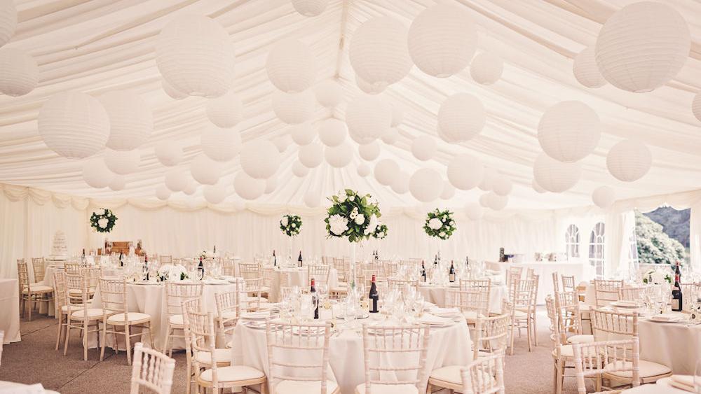Pure White Wedding Lanterns and Flowers