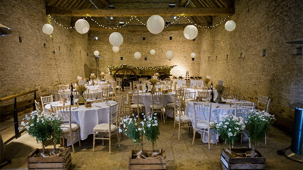 A relaxed barn wedding at Cogges Manor Farm, Witney, Oxfordshire