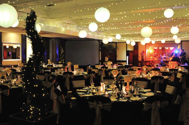 Hilton Glasgow decorate secret garden with Paper Lanterns