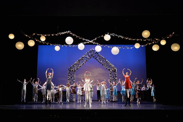 London Childrens Ballet – Nanny McPhee paper lanterns