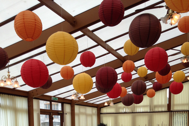 Traditionally Rich Autumnal Style Lanterns